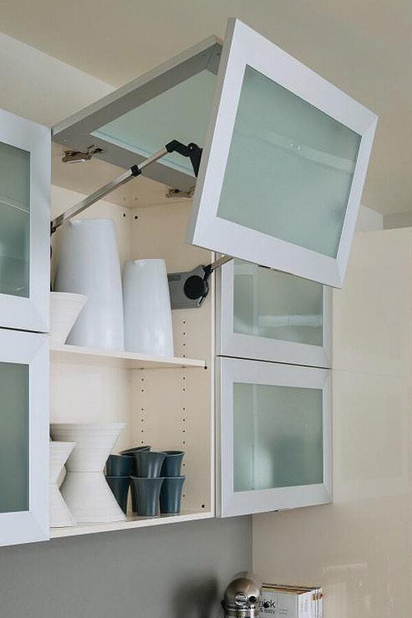 bi-fold cabinet doors - KCC Toronto
