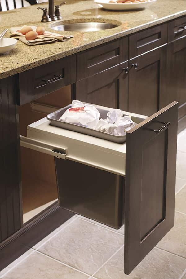 base wastebasket cabinet with single bin